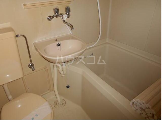アネックス戸塚 102号室のトイレ