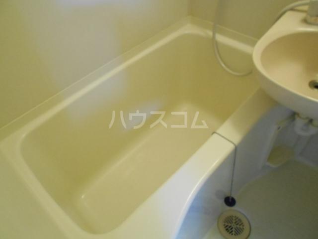 エスポワール鈴金 203号室の風呂