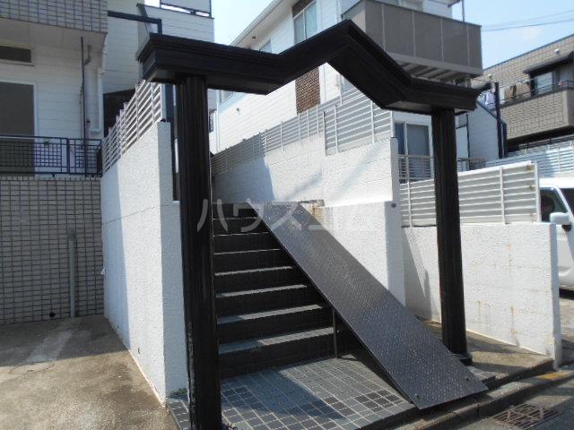 レジデンス東戸塚 201号室のエントランス