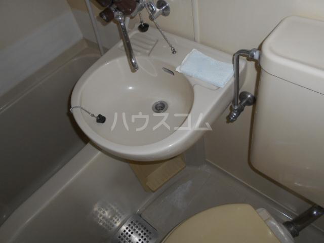 レジデンス東戸塚 201号室の洗面所