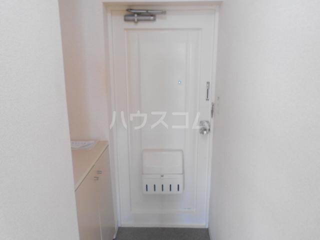 フラット鈴木 308号室の玄関