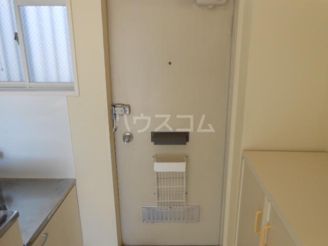 アーバンライフ榊原 202号室の玄関
