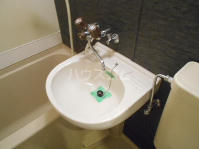 戸塚第20レジデンス 104号室の洗面所