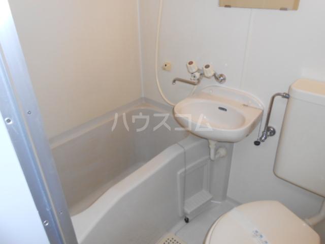 ピュア戸塚 203号室の風呂