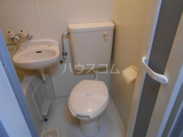 ピュア戸塚 203号室のトイレ