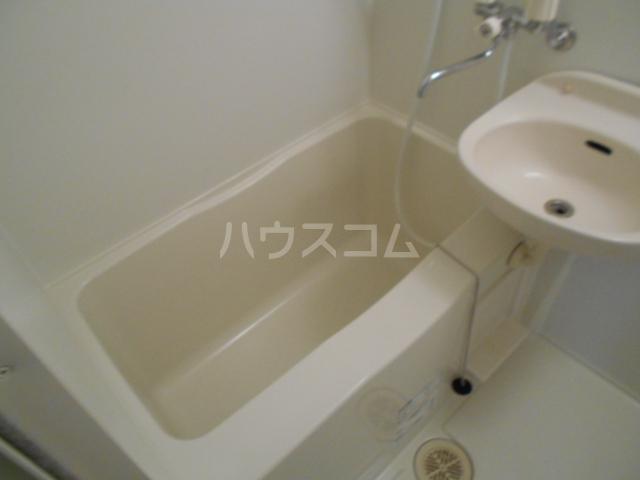 ヒルスミキ上倉田 104号室の風呂