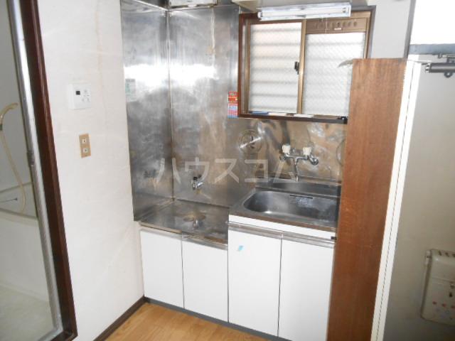 メゾンアカネ 101号室のキッチン