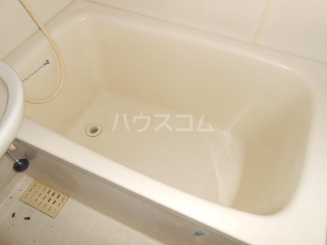メゾンアカネ 101号室の風呂