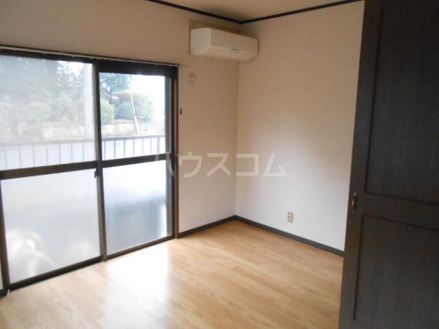 メゾンアカネ 101号室の居室