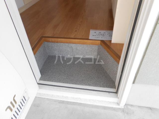 プリズムアピア 103号室の玄関