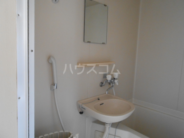 プリズムアピア 103号室の洗面所