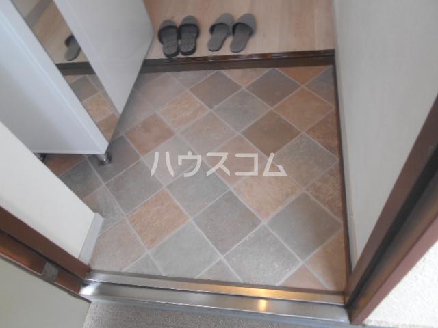 第二セーフズマンション 401号室の玄関