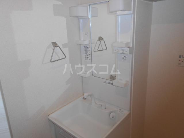 セントリビエ戸塚 201号室の洗面所