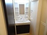 Altamoda横濱 203号室の洗面所