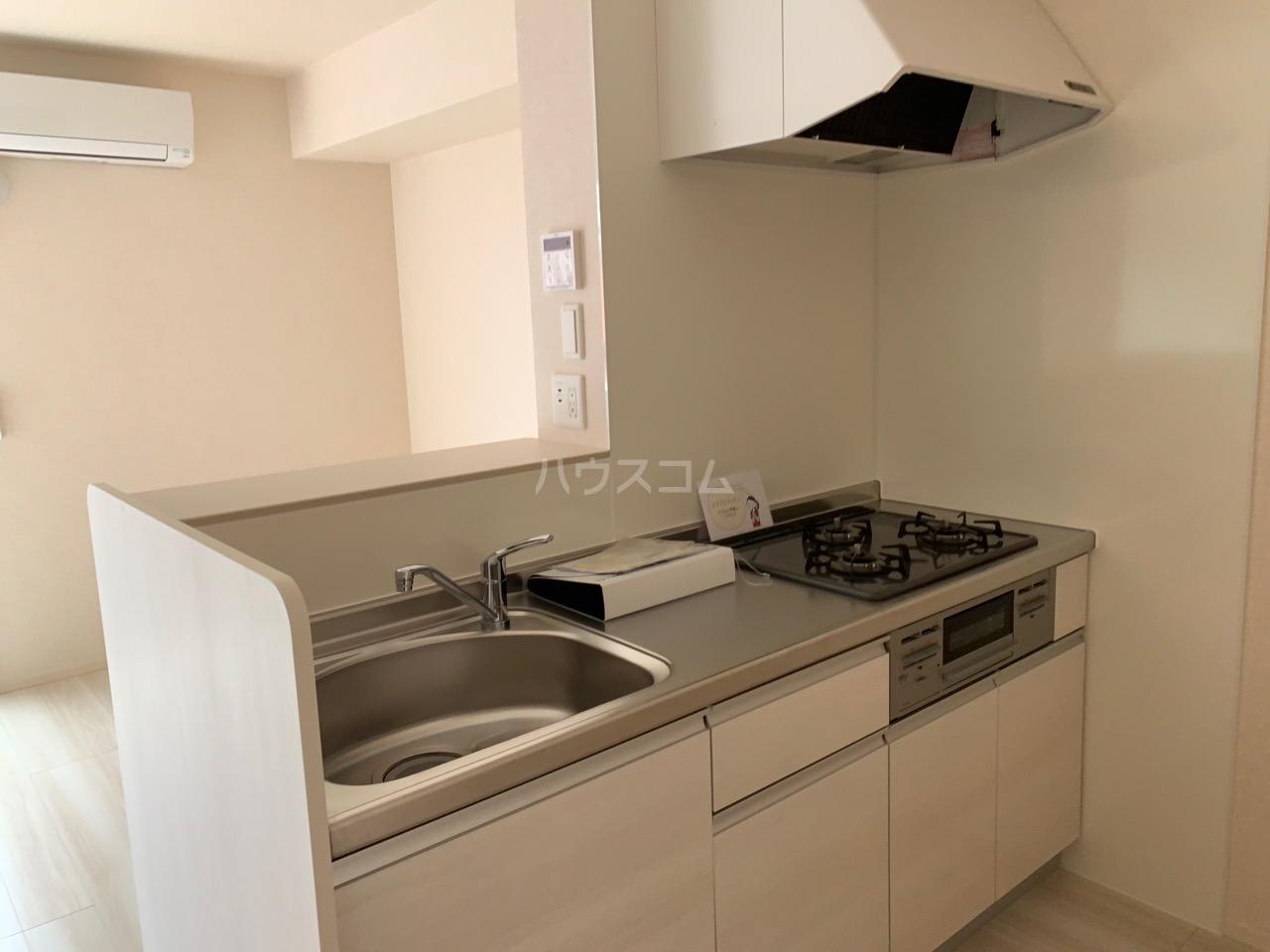 ルミエール 106号室のキッチン