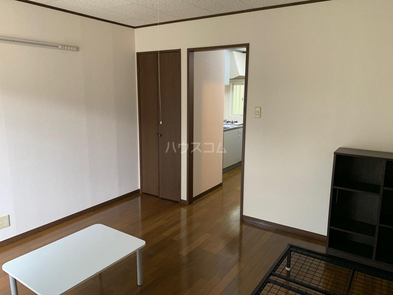 サニーコート伊藤 1-D号室の居室