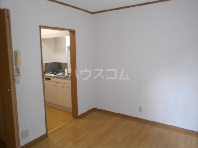 イーストヒル美濃 205号室の居室
