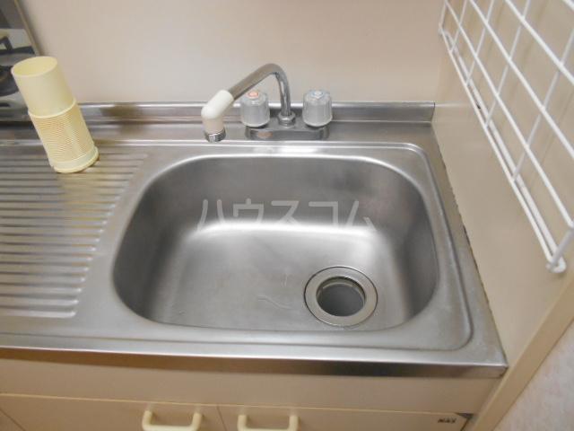 イーストヒル美濃 205号室のキッチン