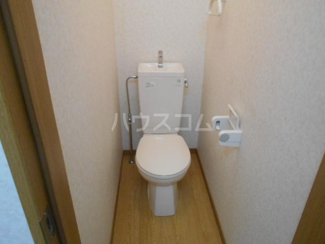 イーストヒル美濃 205号室のトイレ