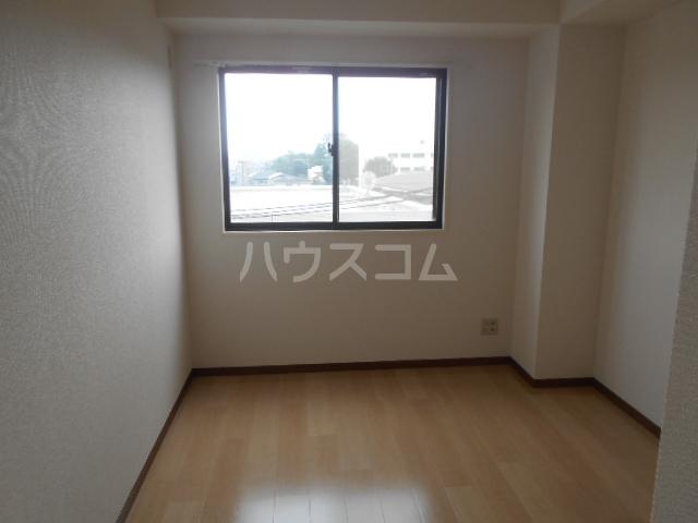 TMビル 401号室の居室
