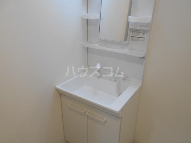 TMビル 401号室の洗面所