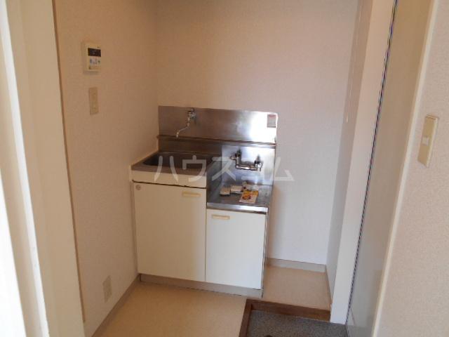 コーポ中川B棟 201号室のキッチン