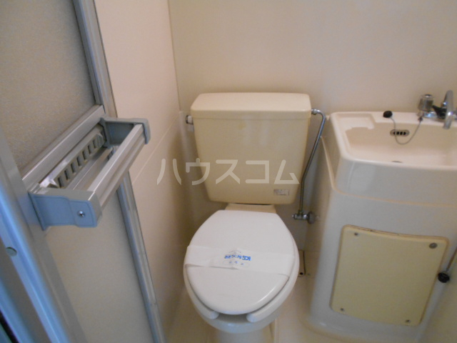 コーポ中川B棟 201号室のトイレ