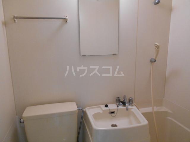 コーポ中川B棟 201号室の洗面所