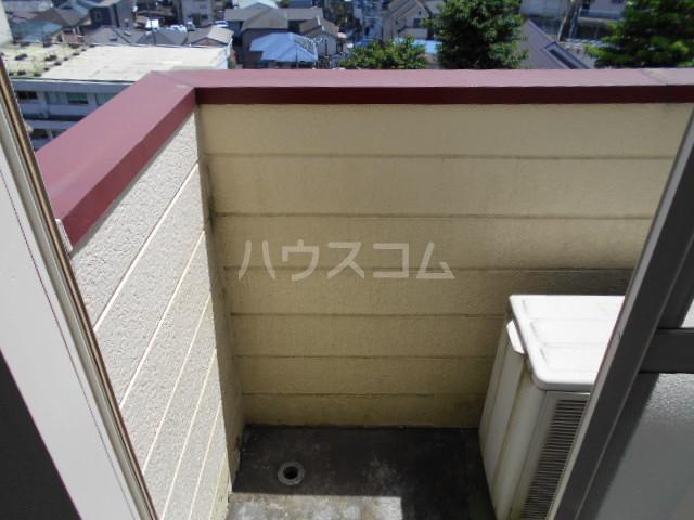 コーポ中川B棟 201号室のバルコニー
