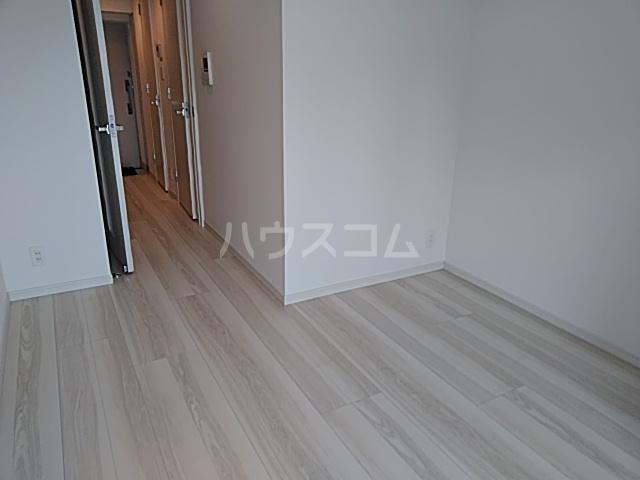 BANDOBASHI KNOTS 1102号室の居室