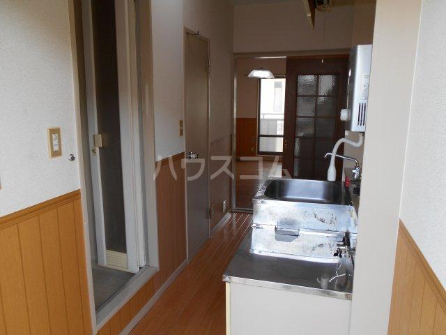 パナハイツヤマキA 202号室のキッチン