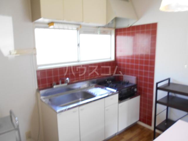 ファミール大島Ⅰ 105号室のキッチン