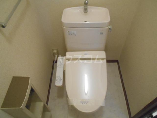 グランドルチェB 101号室のトイレ
