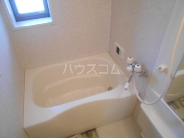 グランドルチェB 101号室の風呂