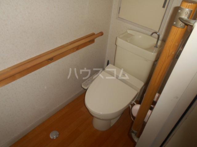ラメゾン・キカクビル 304号室のトイレ