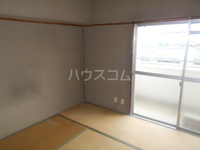 ラメゾン・キカクビル 304号室の居室