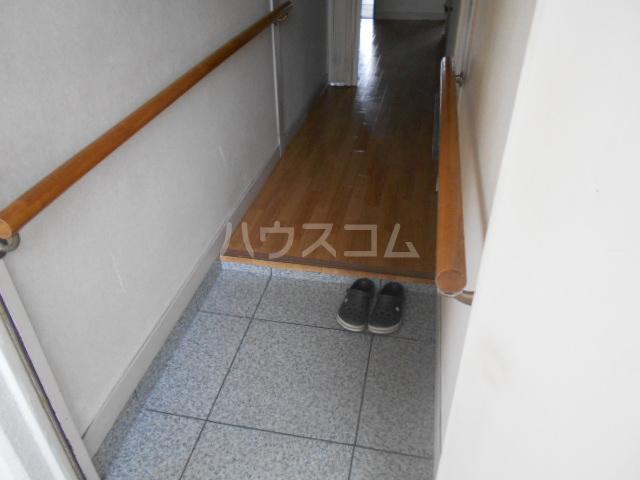 ラメゾン・キカクビル 1003号室の玄関