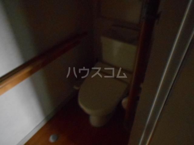 ラメゾン・キカクビル 1003号室のトイレ