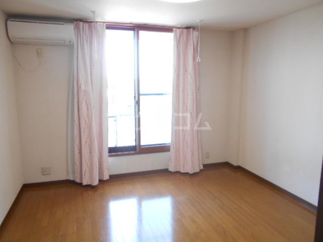 ピュアハイツ 202号室のベッドルーム