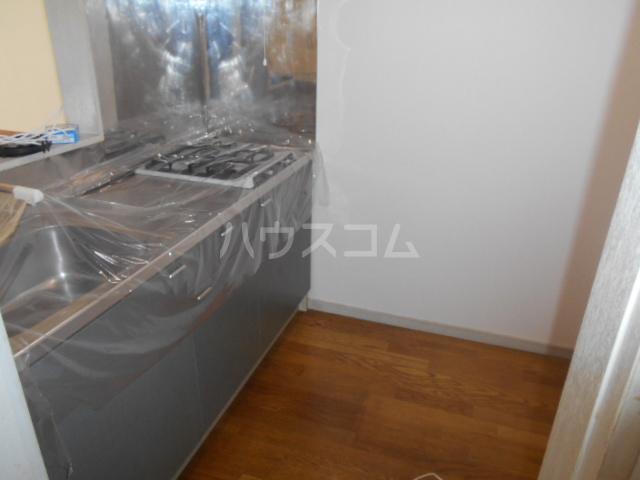 コンフォルトフミヤⅡ 103号室のキッチン