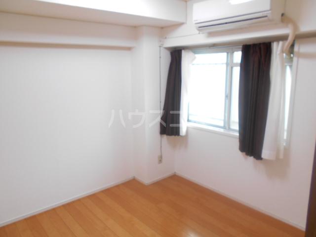秀和レジデンス 202号室の居室
