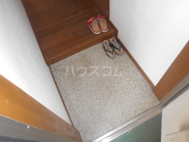 ドリームハイツB 202号室の玄関