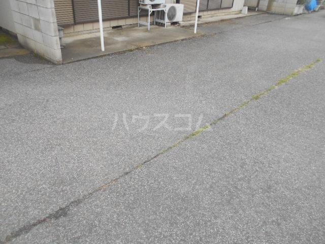 木村貸家D棟の駐車場
