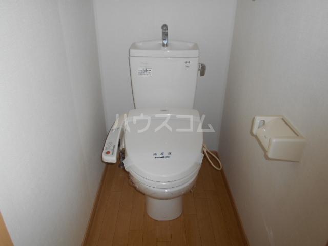 パーシモンヒルズB 201号室のトイレ
