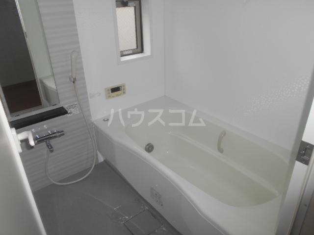 カーサルミエールB 202号室の風呂