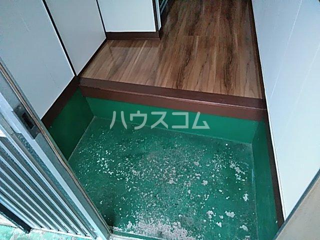 藤生アパートの玄関