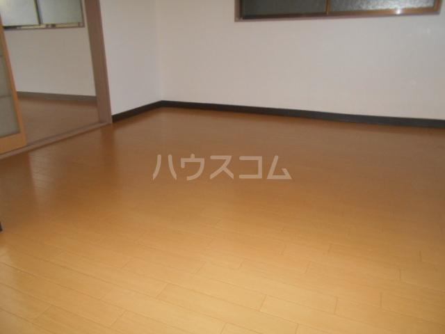 田村ハイツA 203号室のベッドルーム