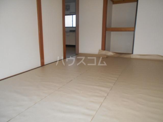 田村ハイツA 205号室の居室