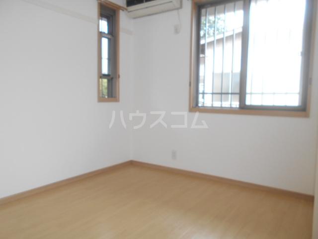 カモミールA 102号室の居室