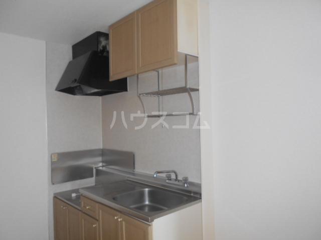 ハイツ・タイラ 102号室のキッチン